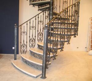 Как-выбрать-кованые-перила-для-лестниц-9